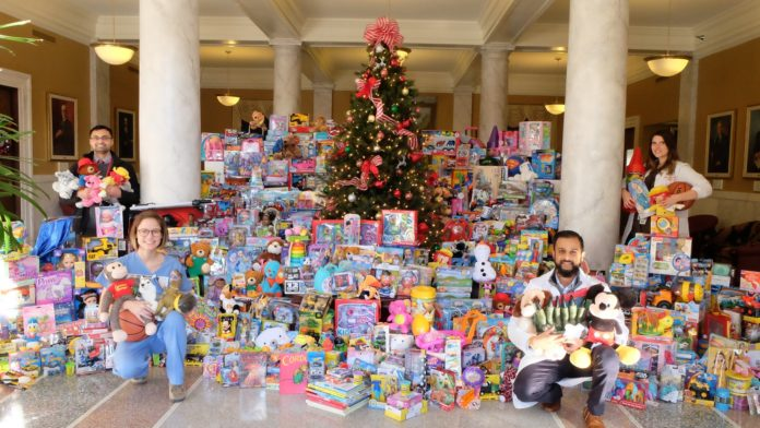 UofL's House Staff Council collected 886 toys for Toys for Tots in 2016.